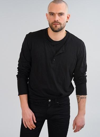 People By Fabrika V Yaka Düğmeli Tişört Siyah